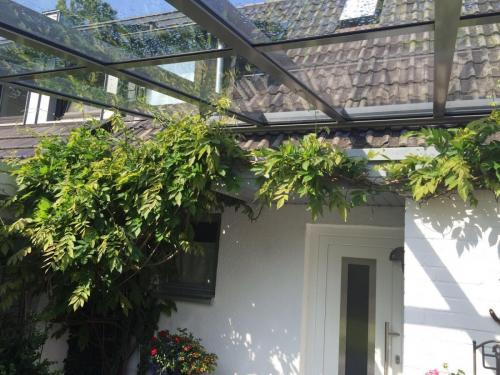 Terrassendach mit Glasteilender Sprosse